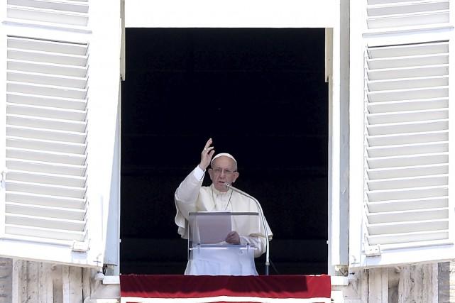 Le pape n'a pas hésité ces derniers temps... (photo archives AFP, Filippo Monteforte)