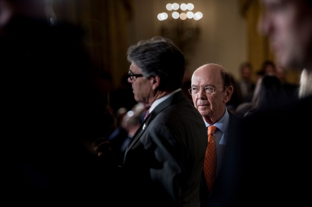 Le secrétaire américain au Commerce, Wilbur Ross... (PHOTO Brendan Smialowski, AFP)