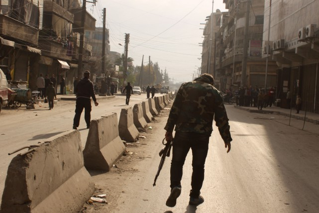 Quelque 4000 civils seraient toujours pris au piège... (Photo AFP)