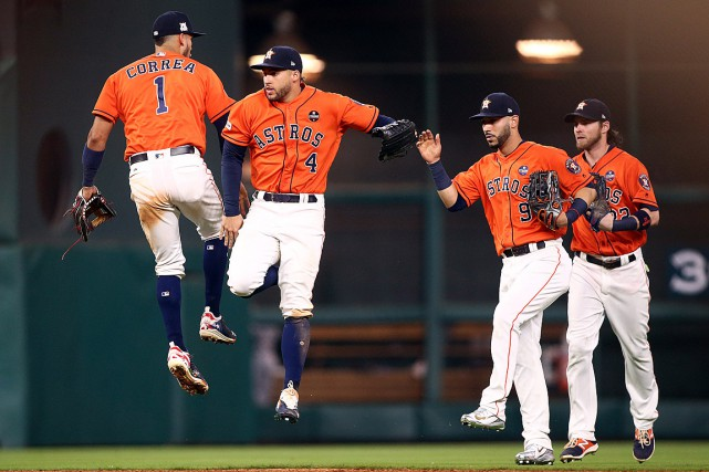 George Springer (4) et Carlos Correa (1) ont... (PHOTO TROY TAORMINA, USA TODAY)