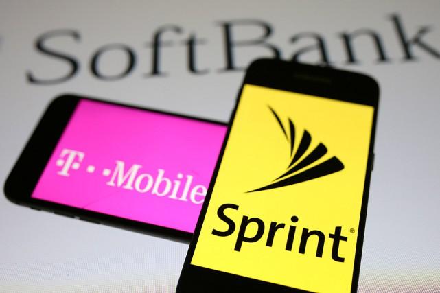T-Mobile est le troisième opérateur de téléphonie mobile... (ILLUSTRATION DADO RUVIC, ARCHIVES REUTERS)