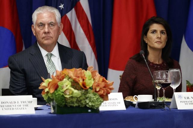 Rex Tillerson et Nikki Haley.... (PHOTO AP)
