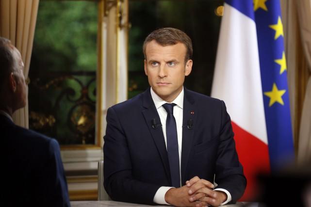 Emmanuel Macron a donné une entrevue télévisée, dimanche,... (PHOTO ARCHIVES AFP)