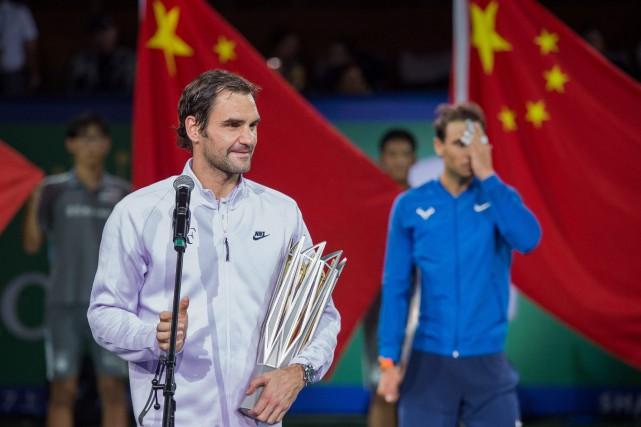 Roger Federer a battu Rafael Nadal en finale... (Photo Nicolas Asfouri, AFP)