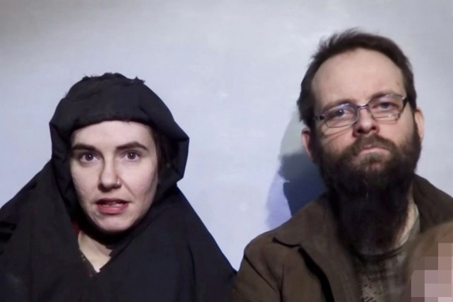 Joshua Boyle et son épouse américaine Caitlan Coleman.... (PHOTO ARCHIVES REUTERS)