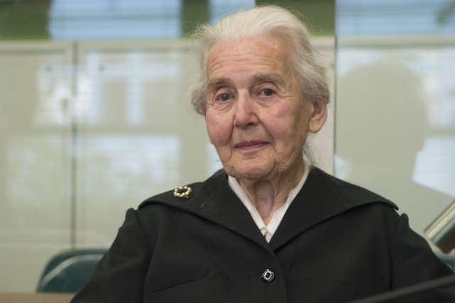Ursula Haverbeck tient un site internet sur lequel... (Photo Paul Zinken, AP)
