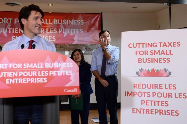 Le premier ministre Justin Trudeau et le ministre... (Photo Nathan Denette, La Presse Canadienne)