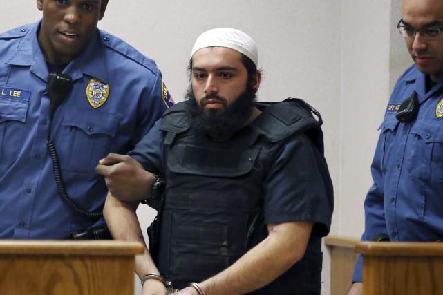 Ahmad Khan Rahimia été reconnu coupable des huit... (Photo archives AP)