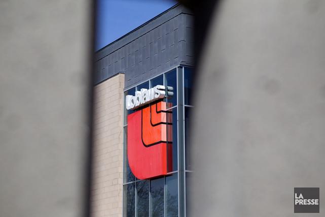 Les pertes d'emplois auraient lieu dans plusieurs bureaux... (PHOTO SARAH MONGEAU-BIRKETT, ARCHIVES LA PRESSE)
