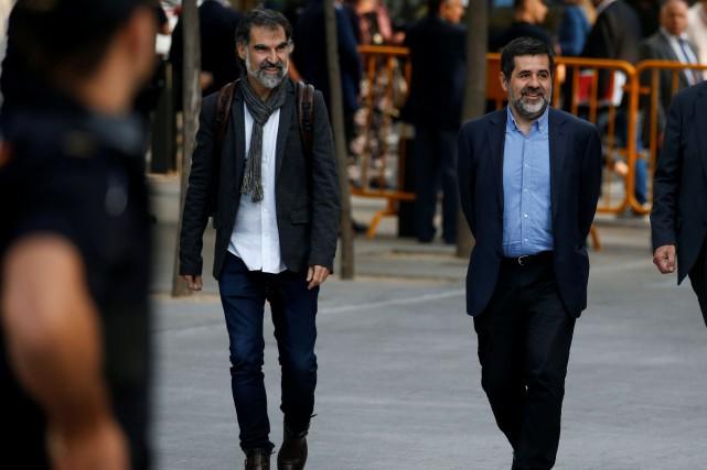 Jordi Cuixart (à gauche) et Jordi Sanchez ont... (PHOTO REUTERS)