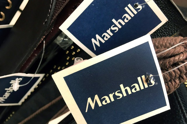 Marshalls vend des vêtements de marques nationales à... (Photo Elise Amendola, archives Associated Press)