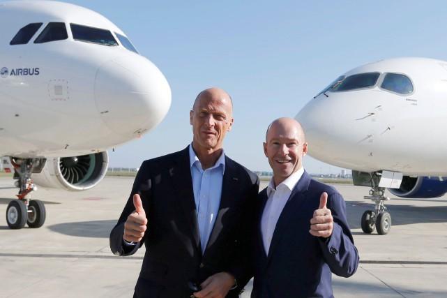 Le président exécutif d'Airbus Tom Enders etAlain Bellemare,... (PHOTO REUTERS)