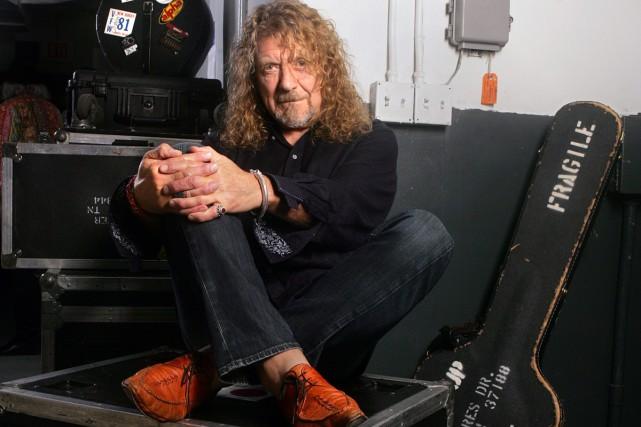 Avec sa voix aiguë Robert Plant, le mythique chanteur de Led Zeppelin, a... (PHOTO AP)
