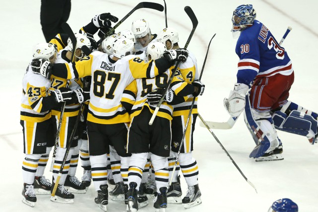 Evgeni Malkin a marqué le but vainqueur des... (Photo Noah K. Murray, USA TODAY Sports)