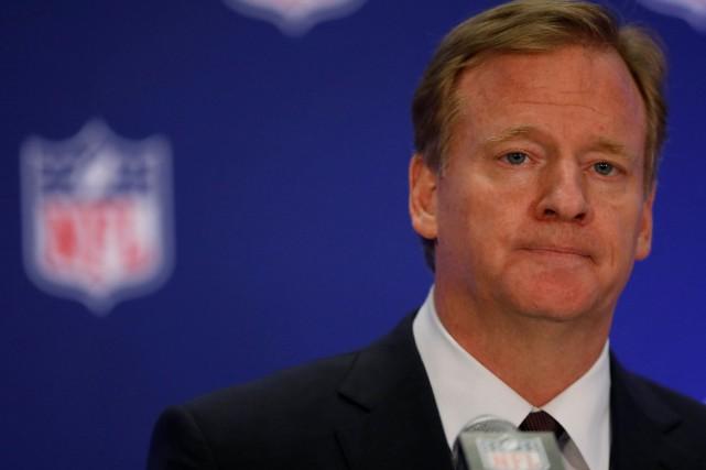 Le commissaire de la NFL Roger Goodell... (PHOTO Brendan McDermid, REUTERS)