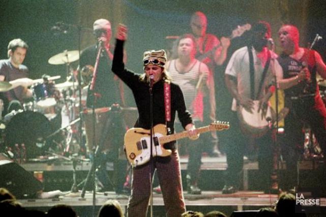 André Fortin et les Colocs lors d'un spectacle... (Photo Rémi Lemée, archives La Presse)
