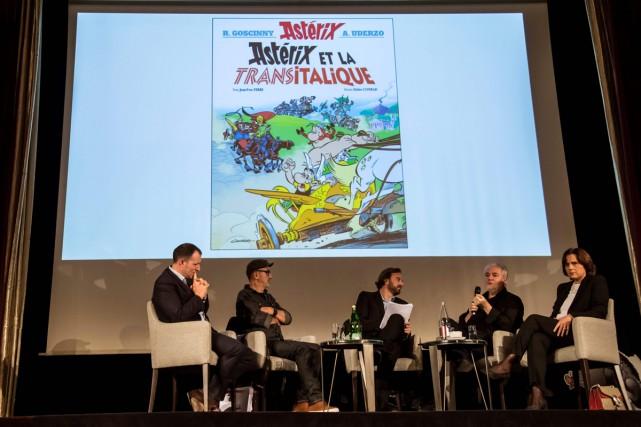 La couverture d'Astérix et la Transitalique, une des... (PHOTO AFP)