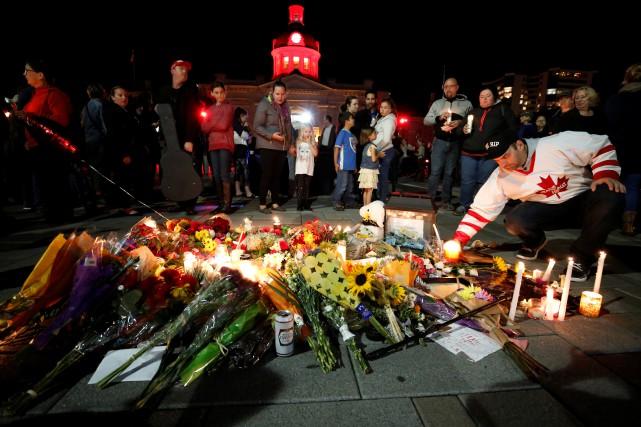 Un mémorial discret organisé par la ville s'est... (PHOTO Chris Wattie, REUTERS)