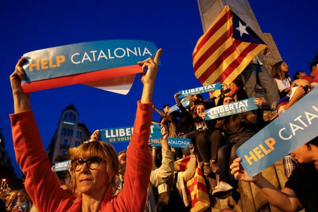 «Le gouvernement continuera les démarches prévues par l'article... (AFP)