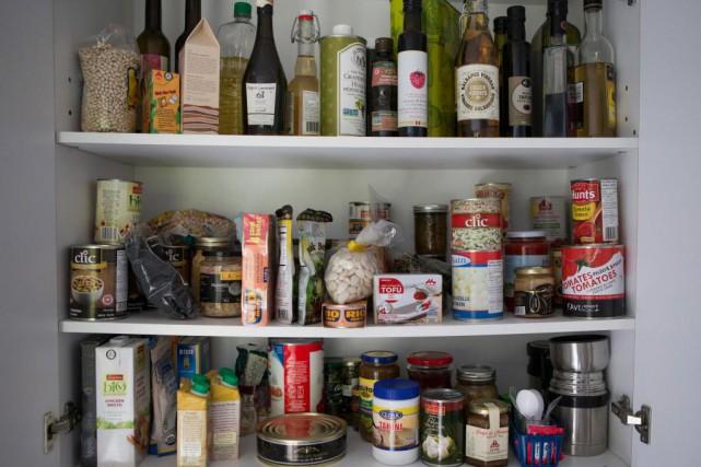 Le garde-manger d'Hélène Laurendeau, nutritionniste. Il faut, selon... (Photo Ivanoh Demers, La Presse)