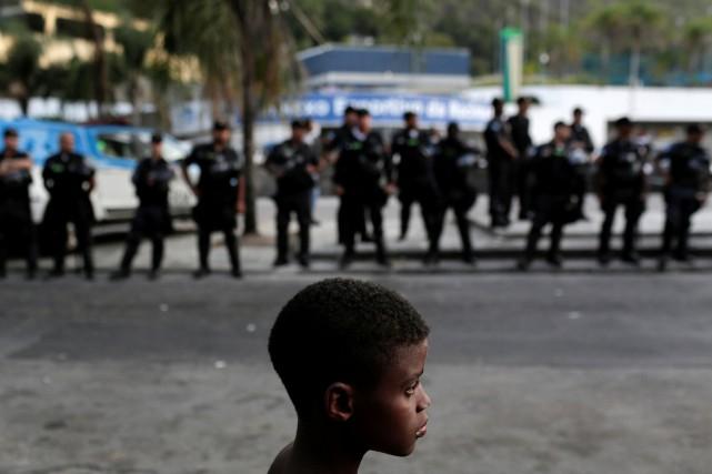L'opération anti-pédophilie a mobilisé plus de 1100 agents,... (Photo Bruno Kelly, REUTERS)