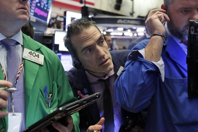 Sur la semaine écoulée, le Dow Jones a... (Photo Richard Drew, Associated Press)
