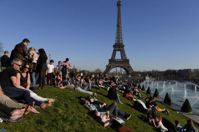 Les températures sont douces à Paris au mois... (Photo Alain Jocard, Archives Agence France-Presse)