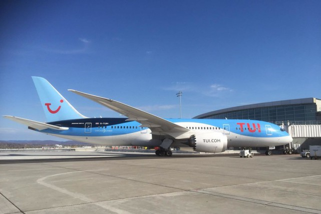 L'avion long-courrier B-787 de l'entreprise Thomson Airways, surnommé... (Photo tirée de Facebook)