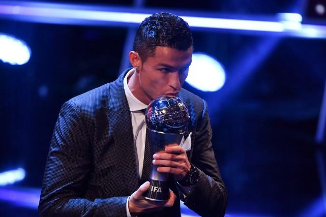CristianoRonaldo a été sacré meilleur joueur par la... (Photo Ben Stansall, AFP)