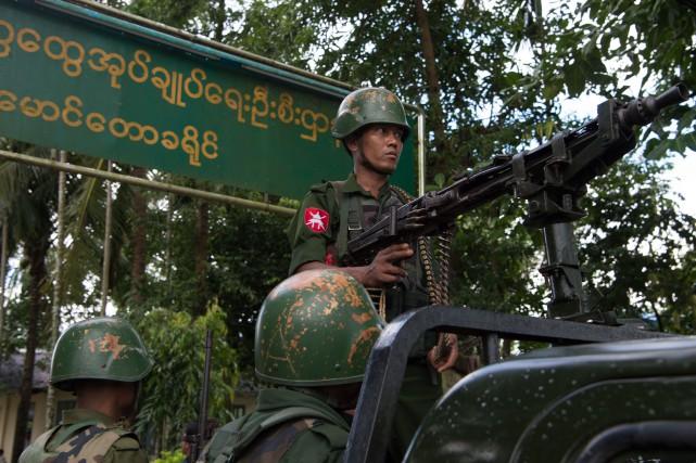 Les chefs de l'armée birmane sont «responsables» de... (AFP)