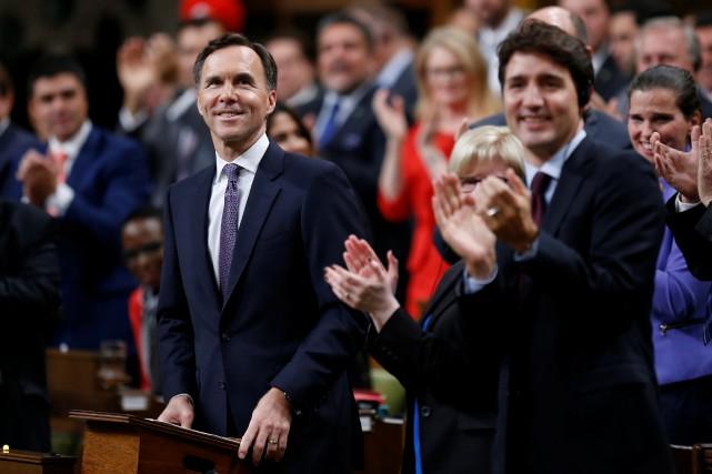 Le ministre des FinancesBill Morneau a dévoilé en... (Photo Chris Wattie, Reuters)