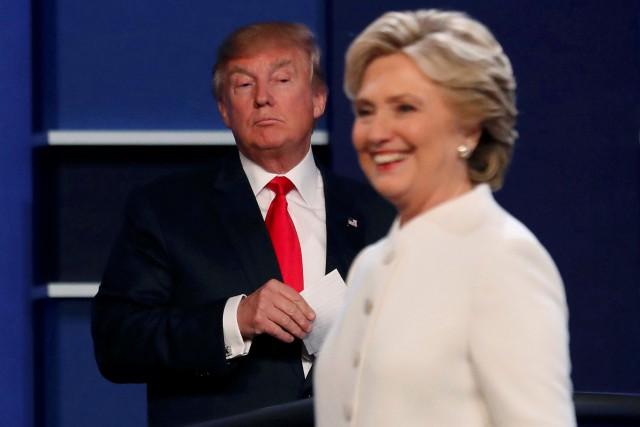 Donald Trump et Hillary Clinton lors du troisième... (ARCHIVES REUTERS)