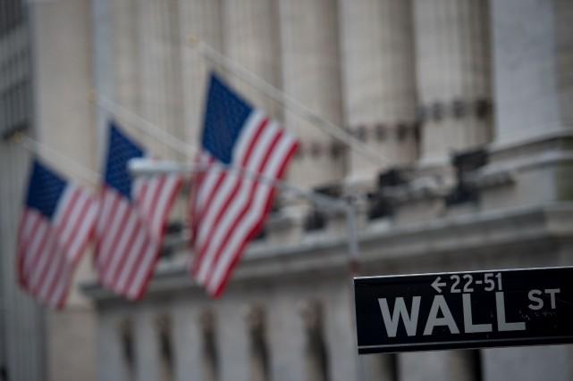 Les Américains ont acheté davantage de biens durables... (photo Bryan R. Smith, archives AFP)