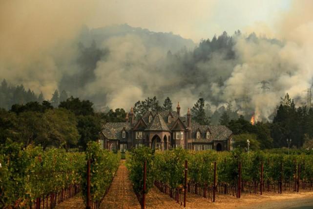 Les incendies sont fréquents en Californie, mais cette... (Photo Jae C. Hong, Associated Press)