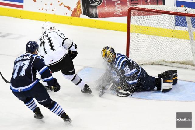 On aurait dit que les Saguenéens n'avaient pas le goût de sauter sur la glace... (Photo Rocket Lavoie, Le Quotidien)