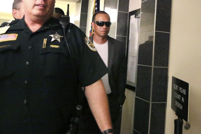 Tiger Woods s'est présenté en cour vendredidans le... (Photo AP)