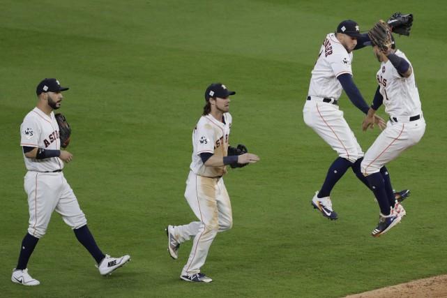 Les Astros, qui avaient signé une victoire spectaculaire... (AP)
