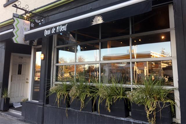 Resto Café Quoi de N'oeuf, 2745 rue Notre-Dame...