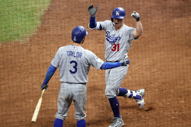 Joc Pederson et Chris Taylor.... (USA TODAY Sports)