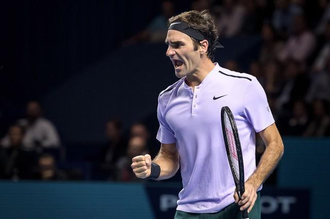 Roger Federer a remporté un 95etitre de l'ATP.... (PHOTO Fabrice COFFRINI, AGENCE FRANCE-PRESSE)
