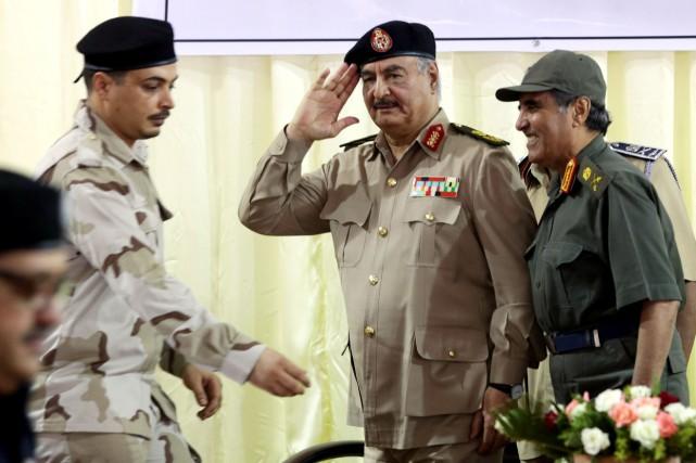 Des membres de l'Armée nationale libyenne auto-proclamée par... (Photo Esam Omran Al-Fetori, REUTERS)