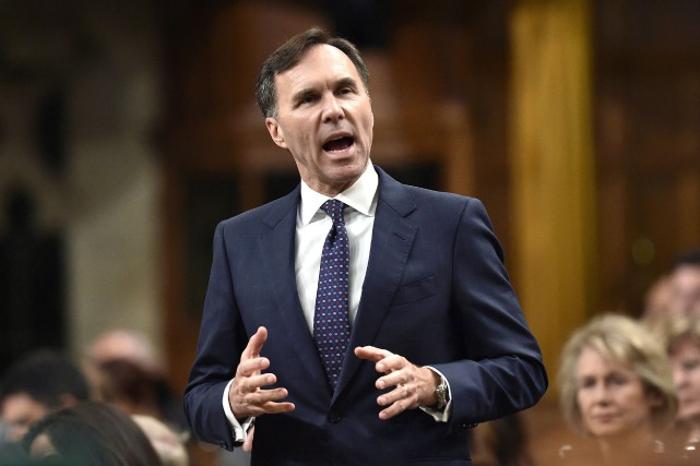 Le ministre des Finances Bill Morneau s'est engagé jeudi... (photo Justin Tang, La Prese canadienne)