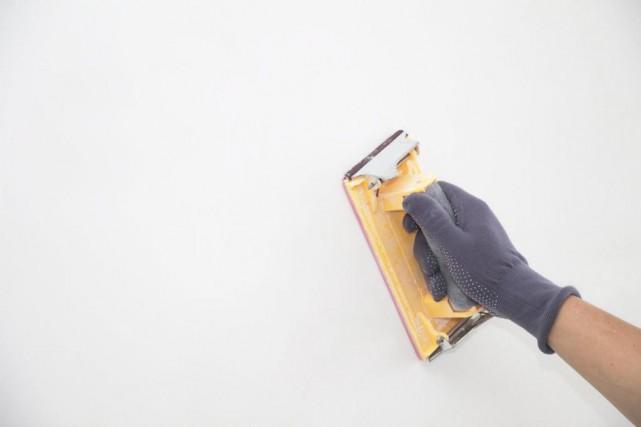 L'étape duponçage (ousablage) est primordiale pourenlever la poussière... (Photo Thinkstock)