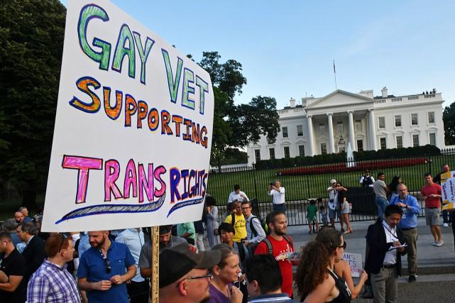 Des vétérans ont manifesté leur support aux militaires... (PHOTO PAUL J. RICHARDS, ARCHIVES AGENCE FRANCE-PRESSE)