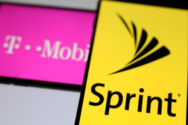 T-Mobile est le troisième opérateur de téléphonie mobile... (Photo REUTERS)
