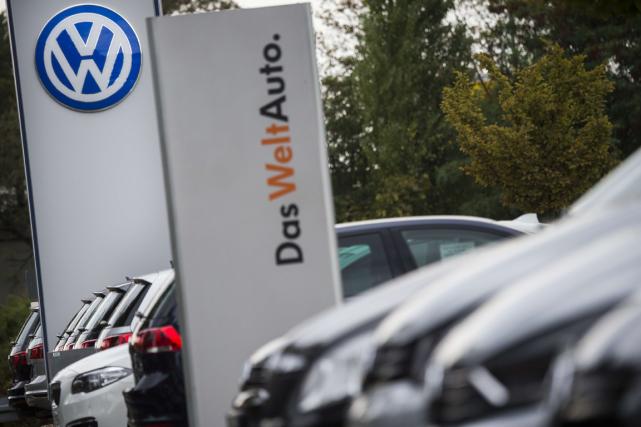 En septembre 2015, Volkswagen avait admis avoir installé... (Photo Odd Andersen, archives AFP)