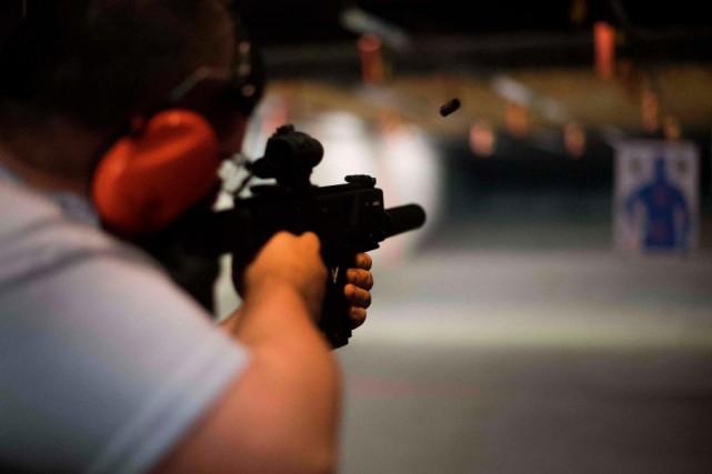 Des propriétaires d'armes à feu soutiennent que l'organisme... (PHOTO JIM WATSON, ARCHIVES AGENCE FRANCE-PRESSE)