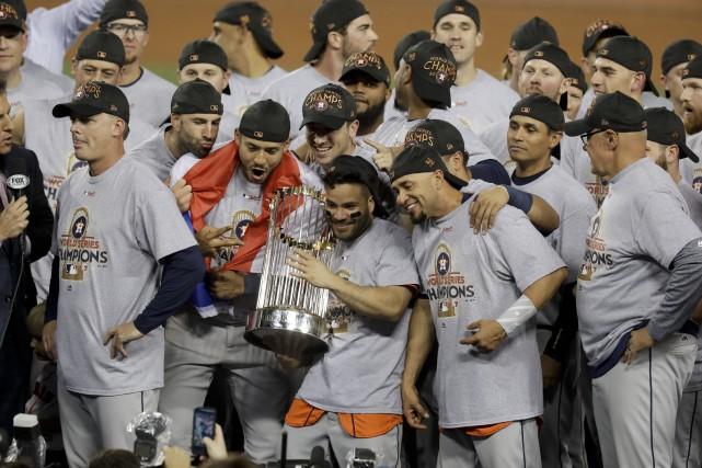 Les Astros de Houston ont remporté la Série... (Photo Alex Gallardo, AP)