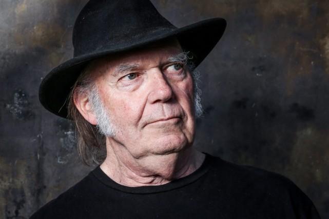 Neil Young, a accompagné vendredi l'annonce de la... (PHOTO ARCHIVES LA PRESSE CANADIENNE)
