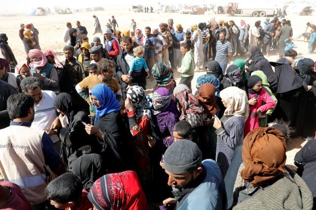 De nombreux civils ont été déplacés par les... (PHOTO Erik De Castro, ARCHIVES REUTERS)